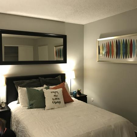 Elegant Bedroom | Studio Apartments For Rent Sacramento | The Confluence