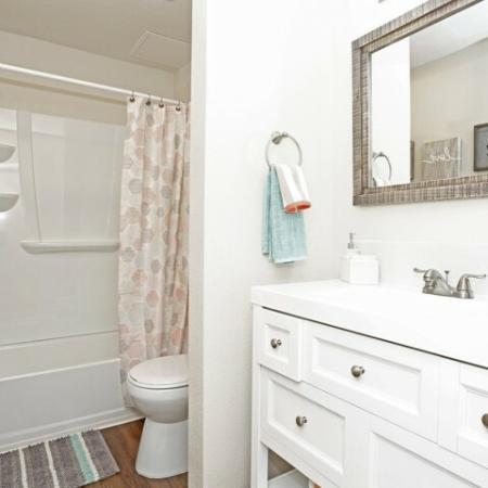 Spacious Bathroom   Apartments In Sacramento   Villa Regia