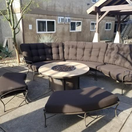 Community Patio | Apartments in Fresno, CA |