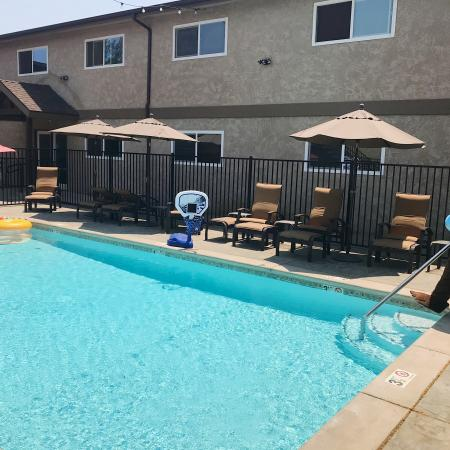 Sparkling Pool | Apartments for rent in Fresno, CA |