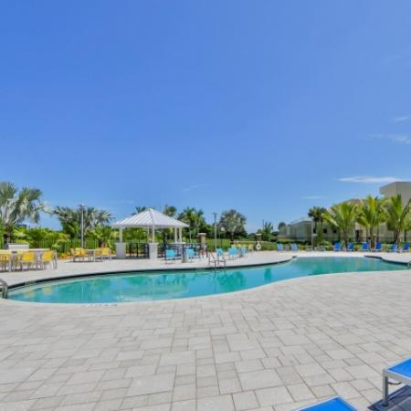 Amazing resort pool at Bayview FIU Student apartment