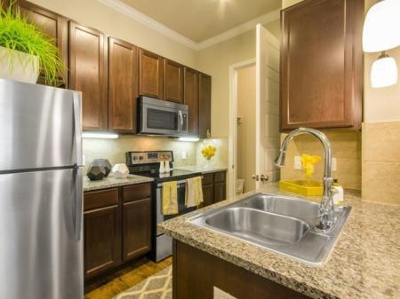 Modern Kitchen   Apartments Aubrey TX   The Estates 3Eighty