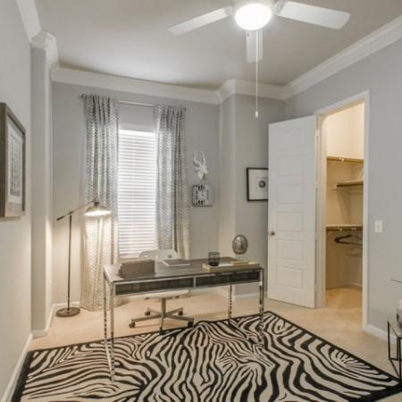 Resident Study   Apartments For Rent Conroe TX   The Mansions Woodland