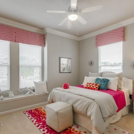 Vast Bedroom   Conroe Apartments   The Mansions Woodland