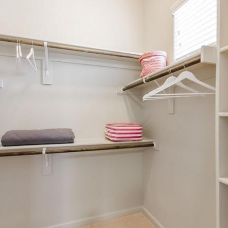 Open Closet   Apartments For Rent Conroe TX   The Mansions Woodland