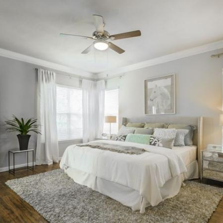 Luxurious Bedroom | Apartments In Conroe TX | The Mansions Woodland