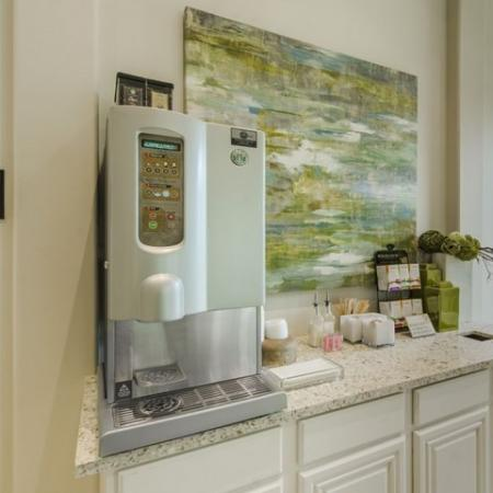 Resident Coffee Bar   Apartments In Conroe TX   The Mansions Woodland