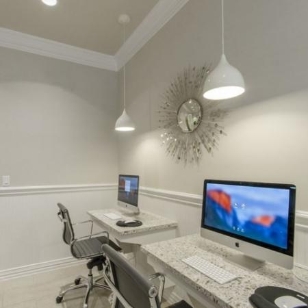 Community Business Center | Apartments In Conroe TX | The Mansions Woodland