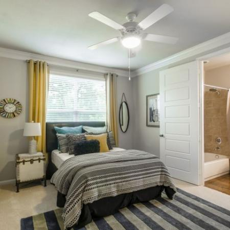 Spacious Master Bedroom   Conroe TX Apartments   The Mansions Woodland