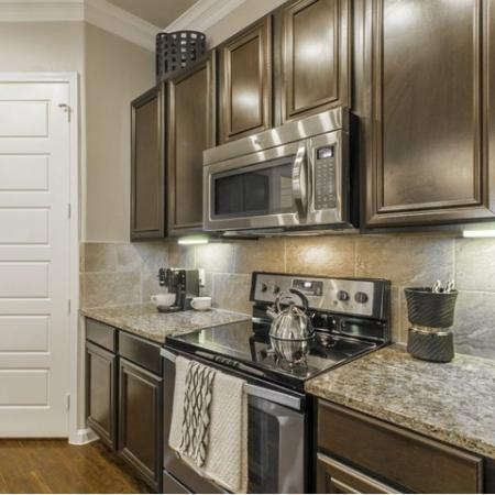 Luxurious Kitchen | Apartments For Rent Conroe TX | The Mansions Woodland