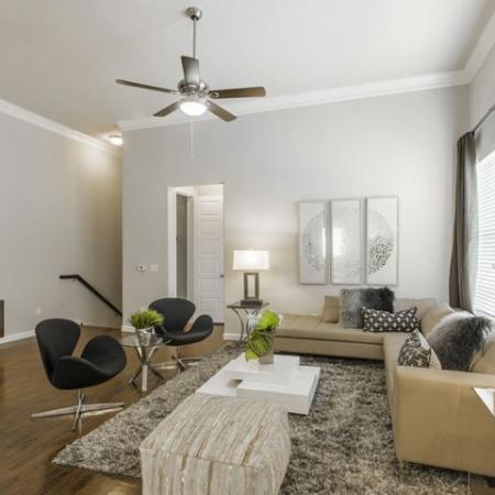 Luxurious Living Room   Apartments For Rent Conroe TX   The Mansions Woodland