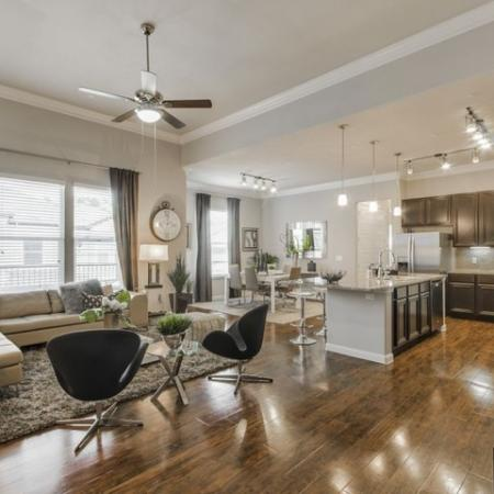 Spacious Living Area   Conroe TX Apartments   The Mansions Woodland