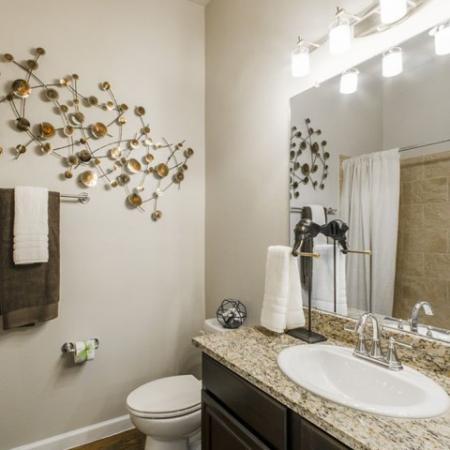 Luxurious Bathroom   Conroe Apartments   The Mansions Woodland