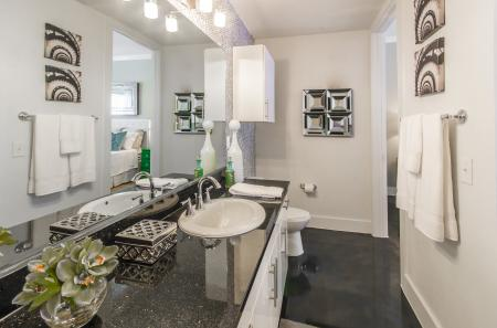 Elegant Master Bathroom | Apartments For Rent In Seabrook TX | The Towers of Seabrook