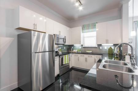 Elegant Kitchen | Apartments in Seabrook TX | The Towers of Seabrook