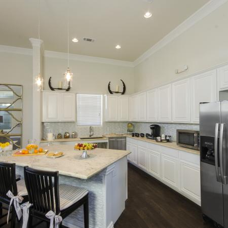 State-of-the-Art Kitchen   Apartment San Antonio TX   The Estates at Briggs Ranch
