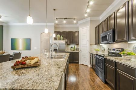 Luxurious Kitchen | Apartments Pflugerville | The Mansions at Stone Hill 1