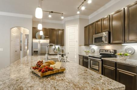 Elegant Kitchen | Pflugerville Apartments | The Mansions at Stone Hill