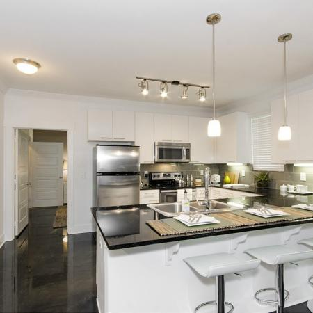 Elegant Kitchen | Apartments In Conroe TX | The Towers Woodland