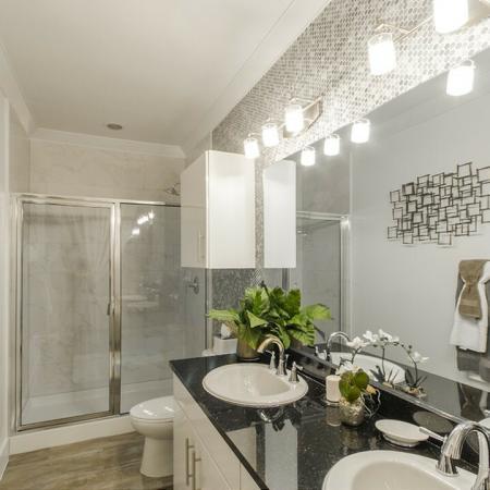 Elegant Master Bathroom | Conroe TX Apartments | The Towers Woodland