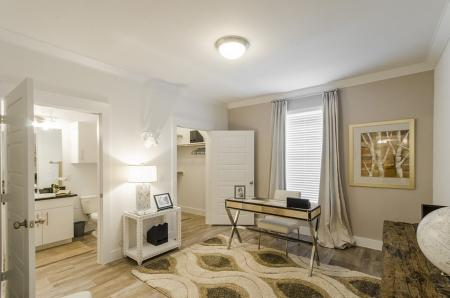 Vast Bedroom | Apartments Conroe TX | The Towers Woodland