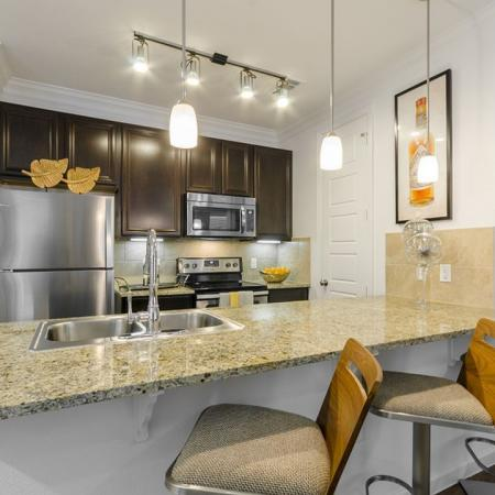 Modern Kitchen | 2 Bedroom Apartments Austin | The Mansions at Lakeway