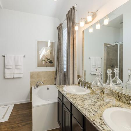 Spacious Master Bathroom | Austin TX Apartments | The Mansions at Lakeway