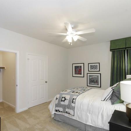 Luxurious Bedroom   Magnolia Apartments   The Grand Estates Woodland