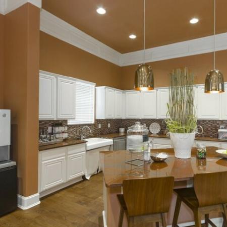 Modern Kitchen   Apartments Near Magnolia TX   The Grand Estates Woodland