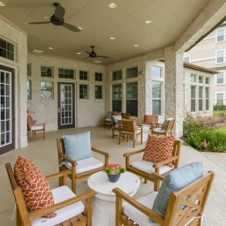 Resident Sun Deck   Apartments Near Magnolia TX   The Grand Estates Woodland