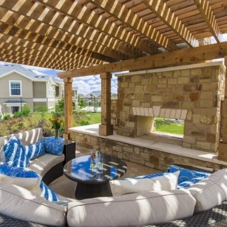 Outdoor Lounge | The Mansions at Briggs Ranch