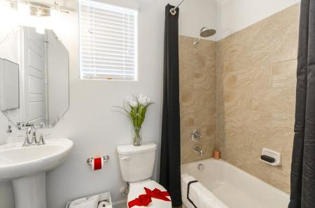 Luxurious Bathroom | Luxury Apartments In Little Elm TX | The Mansions 3Eighty