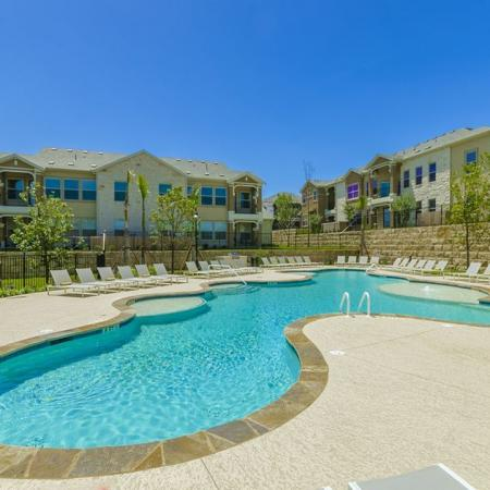 Sparkling Pool | Austin Apartments | The Mansions at Lakeway