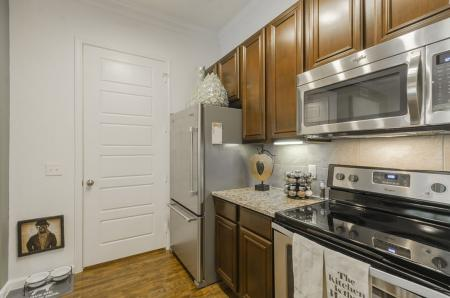 Spacious Kitchen | Wylie TX Apartments | The Mansions at Wylie01