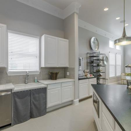 Modern Kitchen | Conroe Apartments | The Grand Estates in the Forest