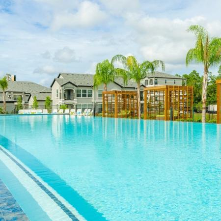 Sparkling Pool   Conroe Apartments   The Mansions Woodland