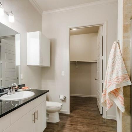 Luxurious Bathroom | Luxury Apartments McKinney TX | The Mansions McKinney 4