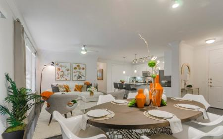 Residents Eating in the Dining Room | Apartments In Clear Lake Texas | The Towers of Seabrook