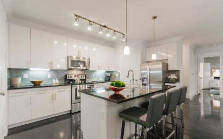 State-of-the-Art Kitchen | Apartments In Clear Lake Texas | The Towers of Seabrook1