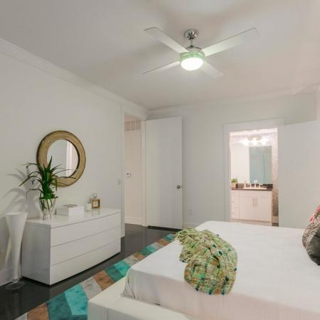 Luxurious Master Bedroom | Apartments In Kemah TX | The Towers of Seabrook
