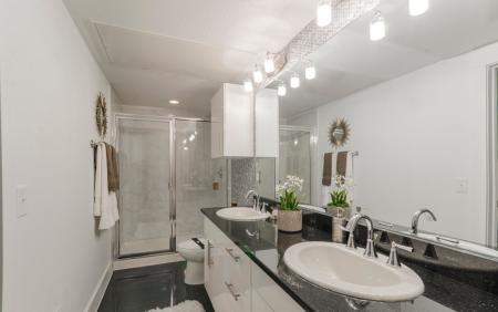 Luxurious Master Bathroom | Apartments In Kemah TX | The Towers of Seabrook