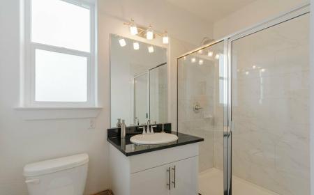 Elegant Bathroom | Apartments in Seabrook TX | The Towers of Seabrook