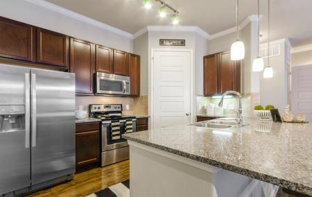 Elegant Kitchen   Apartments In Little Elm TX   The Estates 3Eighty