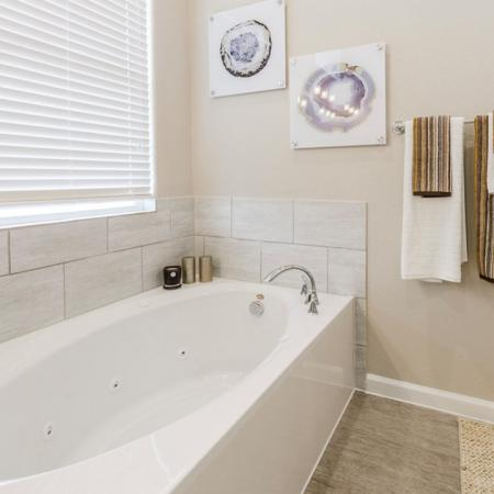 Luxurious Master Bathroom | Austin Apartments For Rent | The Mansions at Travesia