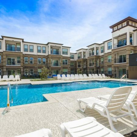 Swimming Pool | Apartments In McKinney TX | The Mansions McKinney