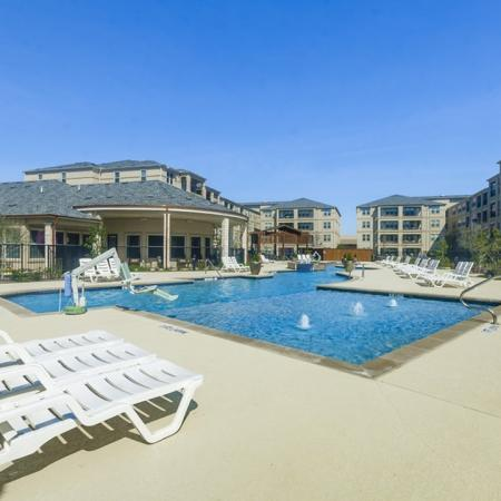 Sparkling Pool | Wylie TX Apartments | The Mansions at Wylie01
