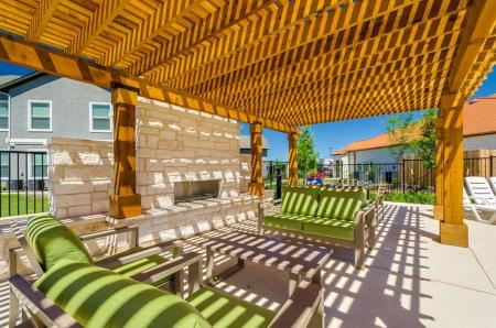 Resident Sun Deck | Apartments Austin TX | The Mansions at Travesia
