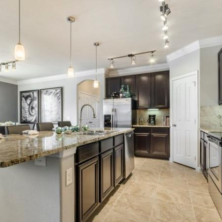 Elegant Kitchen | Apartments in SAN ANTONIO | The Mansions at Briggs Ranch