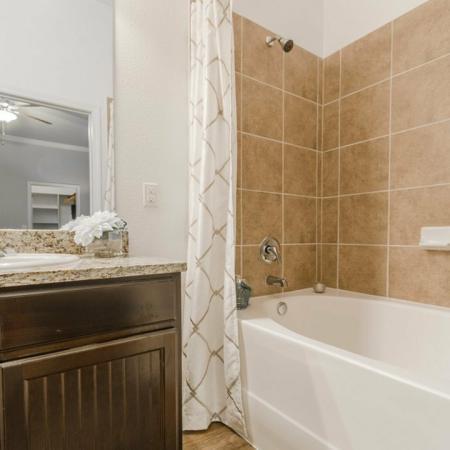 Luxurious Master Bathroom | Apartments in MAGNOLIA | The Estates Woodland