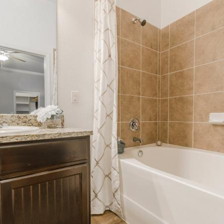 Luxurious Master Bathroom | Apartments in MAGNOLIA | The Estates Woodland